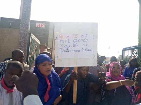 Mouvement d'humeur à la RTS : L'intersyndicale demande le départ du DRH…