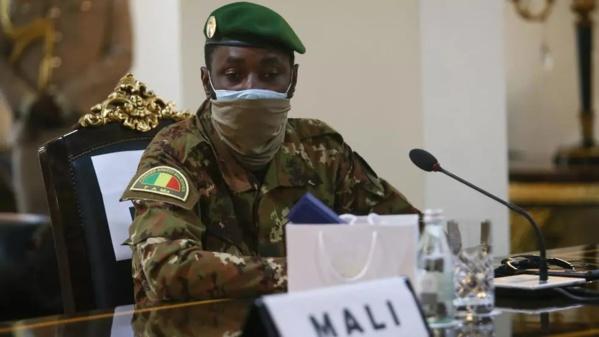 Mali: dernières discussions et consultations à la veille de l'ultimatum de la Cédéao