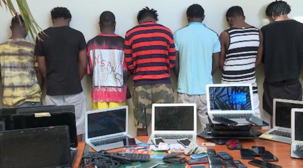 Cybercriminalité : 17 nigérians arrêtés à Mbao