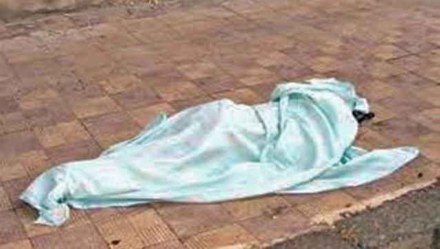 Le corps sans vie d'un vendeur de journaux, nommé Amadou Hann, découvert aux