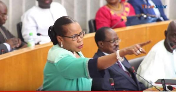 Assemblée : Mame Diarra Fam solde ses comptes avec Awa Niang
