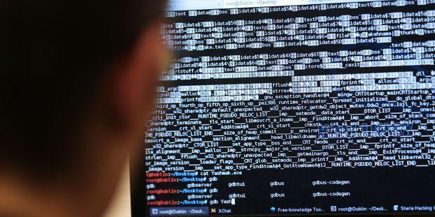 """""""Projet Pegasus"""" : Comment savoir si l'on a été infecté par le logiciel de surveillance ?"""