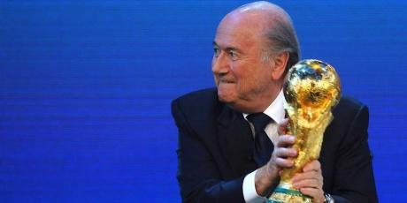 24h pour renvoyer Blatter aux vestiaires