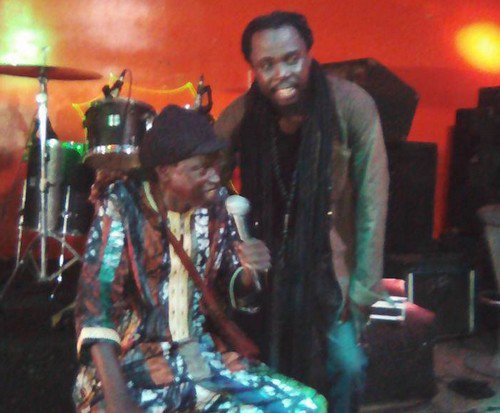 Après avoir joué avec ses deux enfants, Fallou et Youssoupha, Moussa Ngom rend l'ame des suites d'un malaise; la levée du corps prévu ce lundi, son enterrement annoncé à Touba