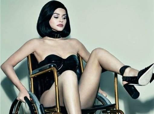 Kylie Jenner en poupée sexuelle handicapée: les photos qui énervent
