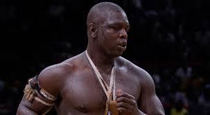 Le lutteur Baboye respire la forme!
