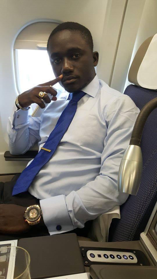 """Momo  fils de Serigne Mbacké Ndiaye, se la joue au ...""""dandy nanti"""""""