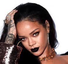 Rihanna renonce à un concert, de peur d'attraper le virus Zika