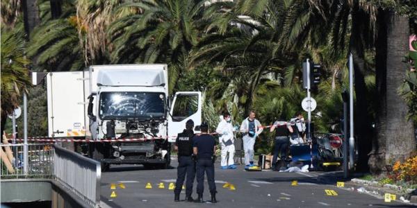 Attentat de Nice : deux rapports s'opposent sur la présence policière à l'arrivée du camion