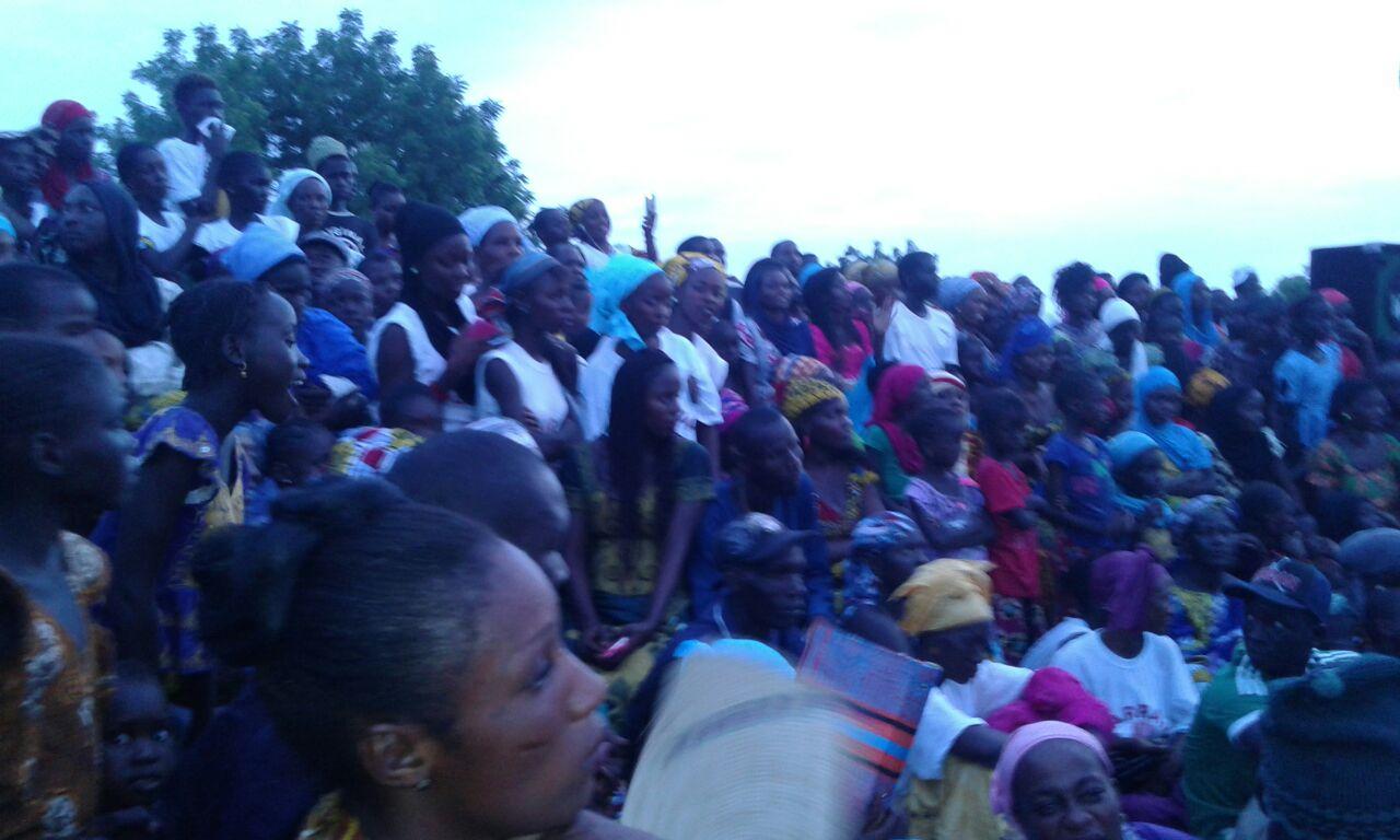 La foule compacte de militants de sympathisants qui a assisté au meeting de Gelongal Barro chez Farba