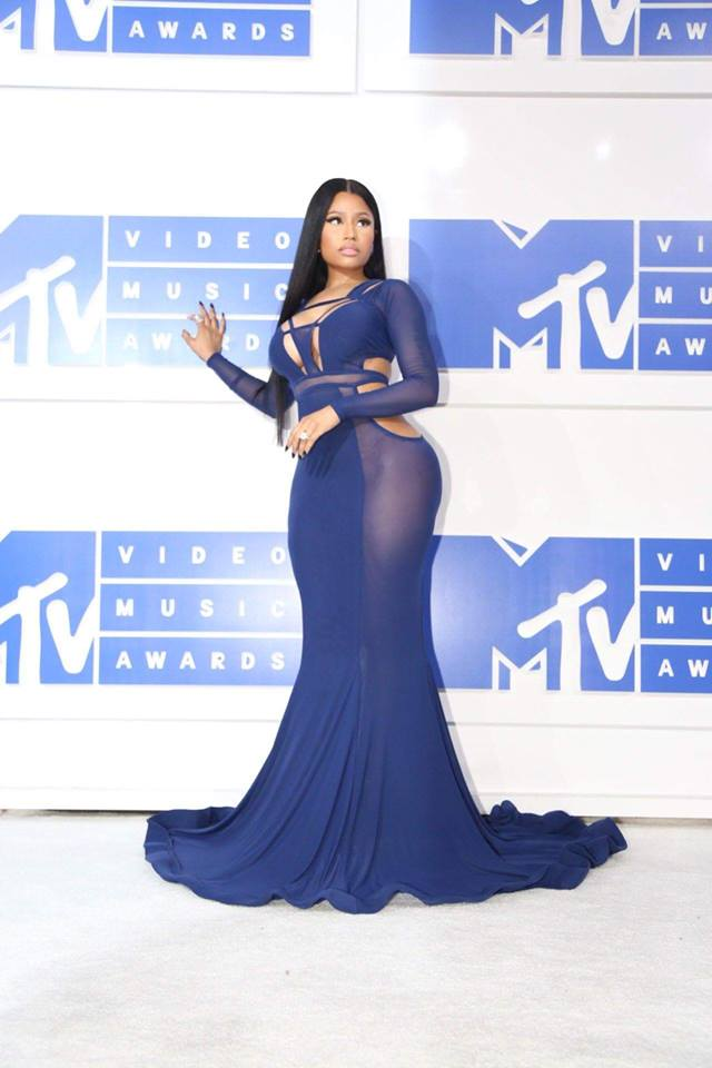 Admirez cette robe de Nicki  !