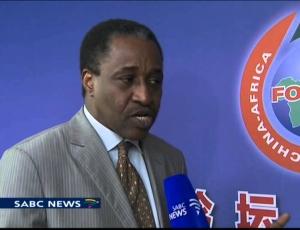 """Contrat de pétrole: le journaliste Adama Gaye menace le Président Macky Sall: """"Si Je parle, tu tombes, un point, un trait..."""""""