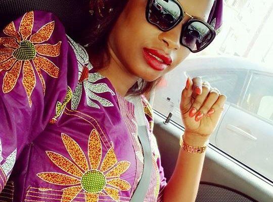 Photos toutes nues de Mbathio Ndiaye sur whatsapp Twitter et Facebook scandalisé par l'attitude de la danseuse