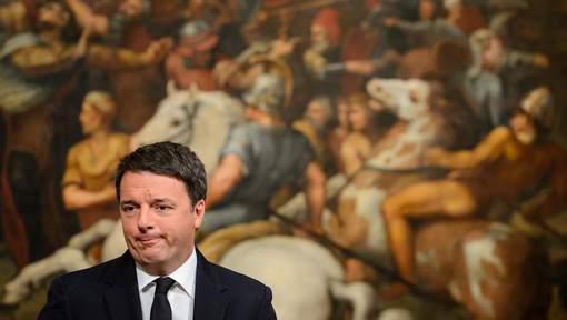 """L'opposition réclame des élections après le """"non"""" en Italie"""