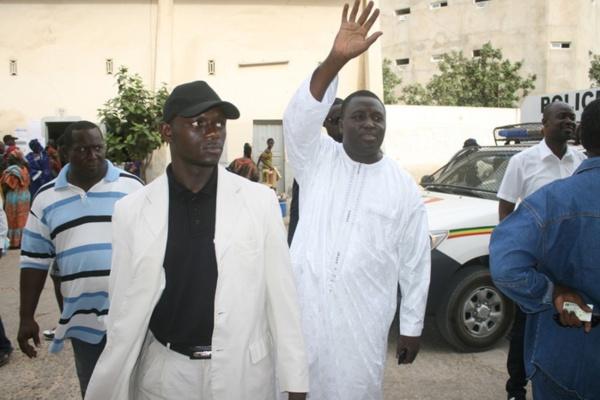 Le point  sur le dossier Bamba Fall et CO...L'édile de la Médina a été finalement placé sous mandat de dépôt à 21h passées...La vérité sur les chefs d'inculpation