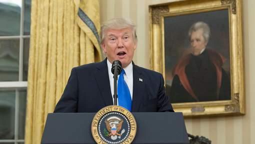 """L'Iran """"joue avec le feu"""", selon Trump"""