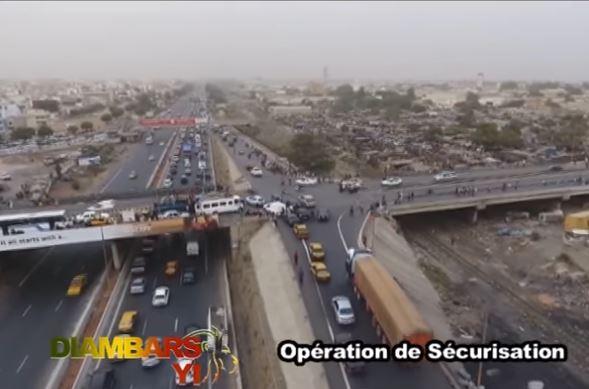 Un camion de « Yamba » poursuivi par les forces de l'ordre avec un hélicoptère. Regardez !