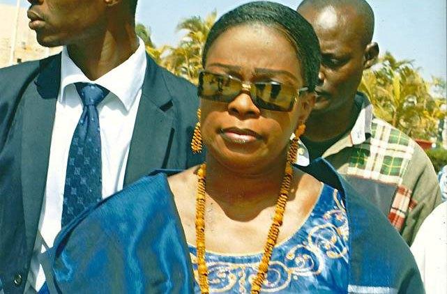Ouf de soulagement pour Ndèye Khady Guèye! Le tribunal la disculpe du détournement de deniers publics...La fille à Léna Fall Diagne ne paiera que...500.000.000 cfa