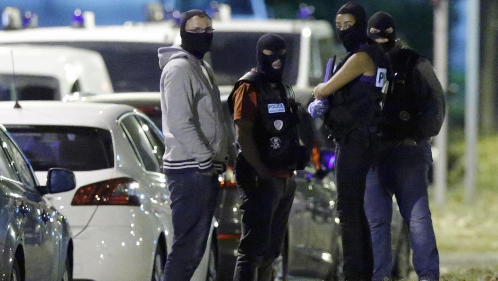 Attaque sur les Champs Elysées -  Qui est le tireur abattu ?