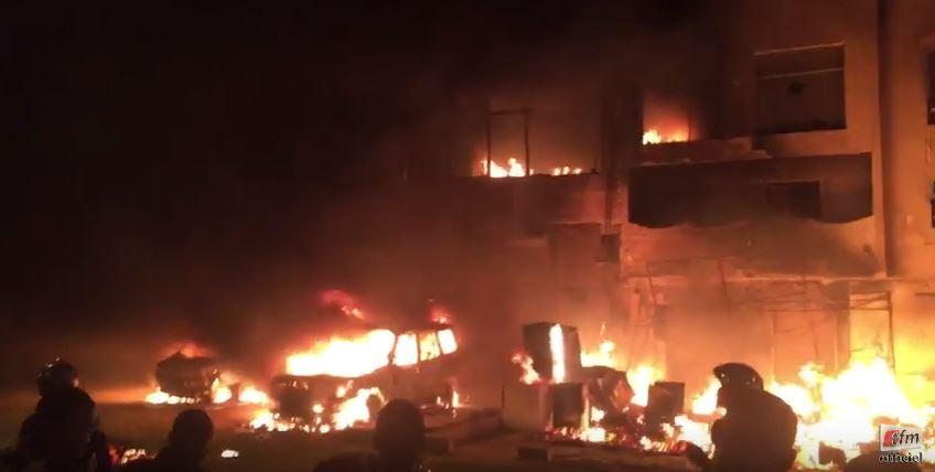 Un immeuble prend feu à ouest foire...