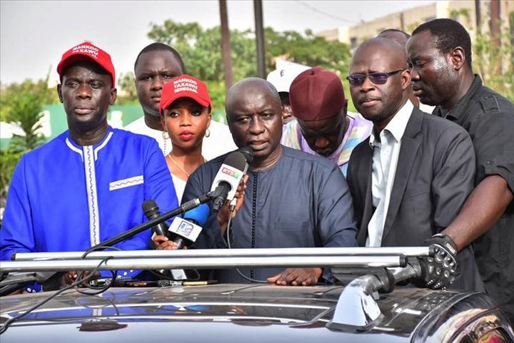 """Idrissa Seck cogne Macky Sall à Thiès : """"Sa gestion folklorique, vicieuse et familiale, est porteuse d'inquiétude et de désespoir"""""""