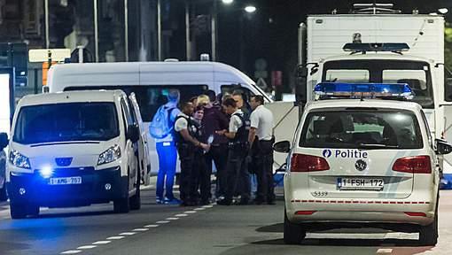 Les forces de l'ordre, cibles d'attaques à travers l'Europe