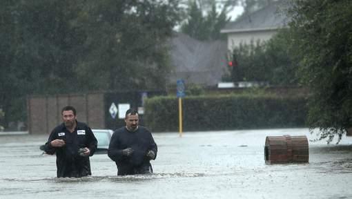 "Ouragan Harvey: ""Il n'y a jamais rien eu de tel"" selon Donald Trump"