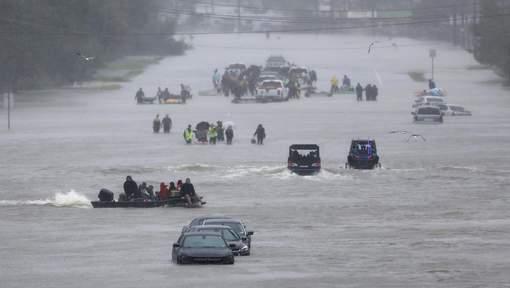 Le Texas avait refusé d'aider d'autres États touchés par les ouragans