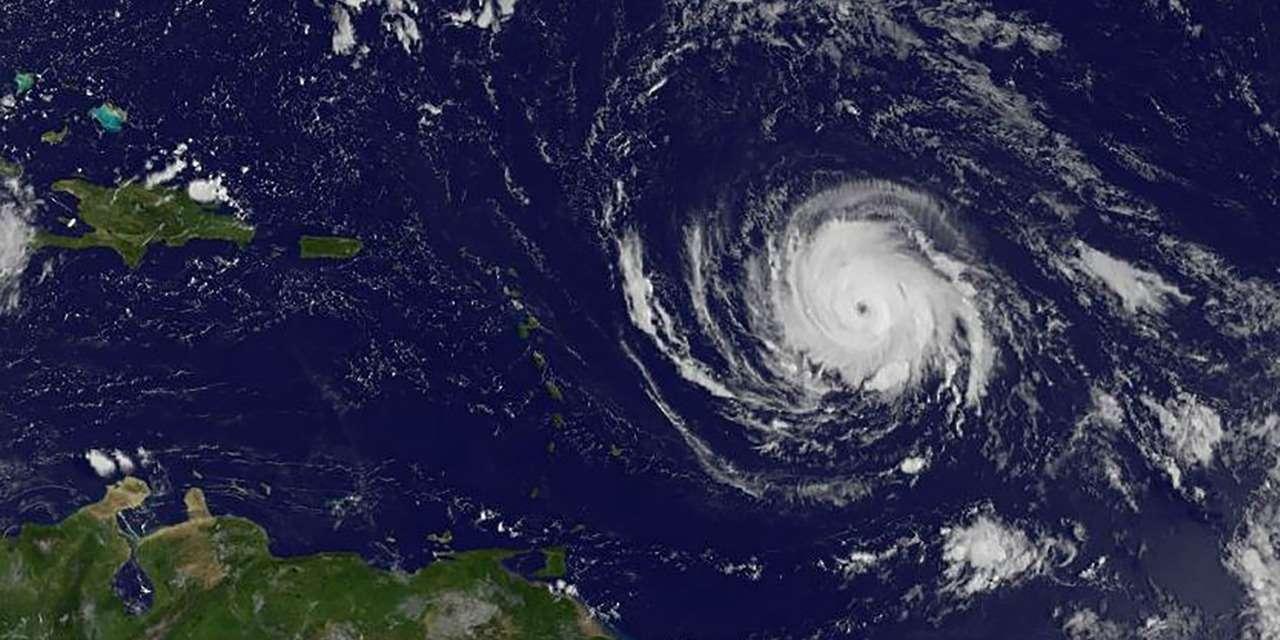 © @ AFP A 14 h, heure française, Irma se trouvait à 440 kilomètres à l'Est d'Antigua.