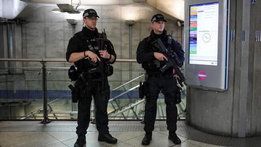 Explosion dans le métro à Londres: d'autres suspects potentiels recherchés