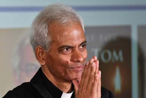 Otage pendant 18 mois au Yémen, un prêtre indien remercie ses gardiens