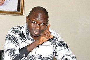 Entrée en politique : Ismaïla Madior Fall prend la carte de l'Apr