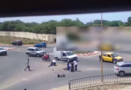 Vidéo : Ils Volent Un Scooter Et Heurtent Un Véhicule Sur La Corniche !