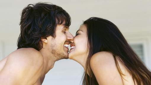 La raison pour laquelle on embrasse avec la langue