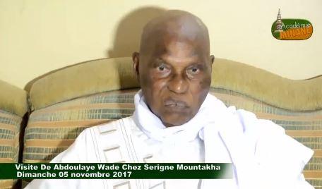 Vidéo: Me Wade vilipende Macky Sall à Touba
