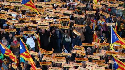 Grande manifestation à Barcelone pour la liberté des dirigeants indépendantistes