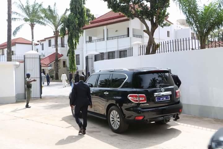 Le Pr Barrow emménage enfin à Banjul!