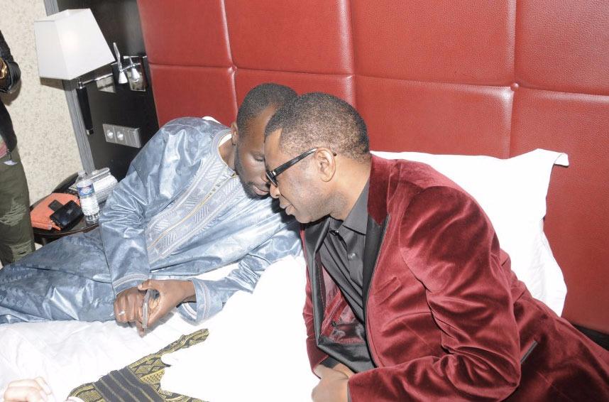 Quand Dame Dieng, patron de leral.net, baptise à Paris devant Youssou Ndour...