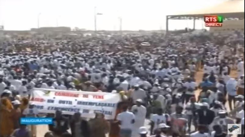 Vidéo:150 000 « chômeurs » à Diass pour l'inauguration du nouvel aéroport – Regardez.