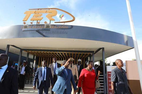 Le TER 1200 milliards: Macky Sall garde toujours le silence sur les graves accusations de Sonko