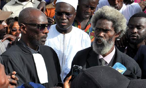 Les avocats de Khalifa ne veulent pas encore de procès