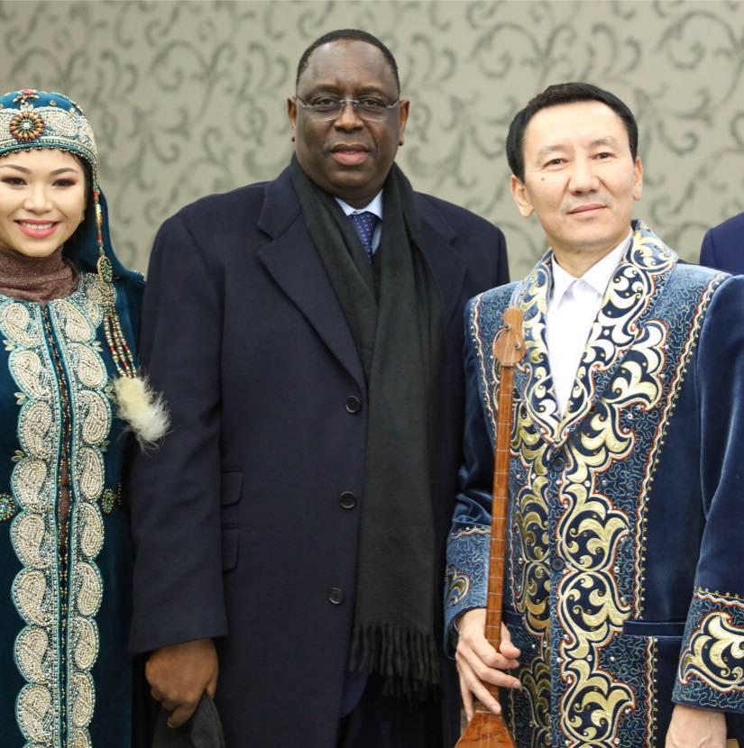 Macky fête son anniversaire au Kazakhstan
