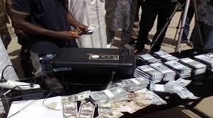 Trafic de fausses devises: Quatre commerçants arrêtés par la Dic