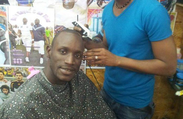 Maraboutage – Il y a des coiffeurs vendeurs de cheveux