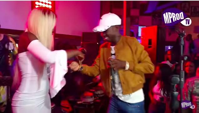 Soirée au Five: La Pop Girl Bya Sarr offre une montre en Or à Sidy Diop