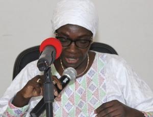 """Seynabou Ndiaye Diakhaté: """"Birahim Seck confond une étude sur la perception de la corruption et un rapport de l'Ofnac"""""""