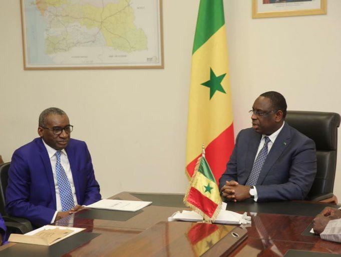 Macky Sall baisse les salaires et les indemnités des diplomates