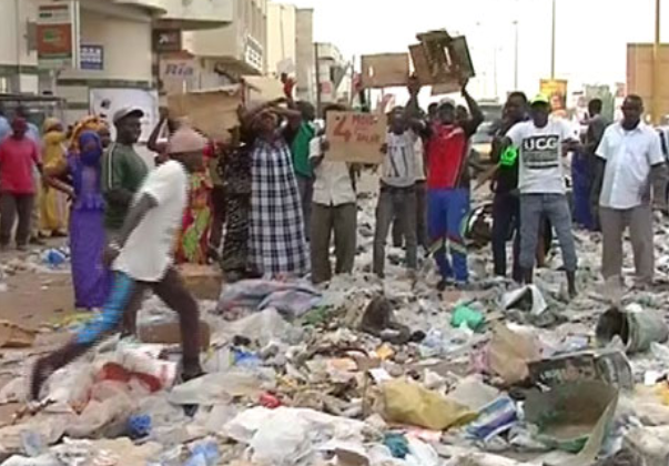 Une Dette De 7 Milliards De L'Etat Fait De Dakar La Capitale De La Mauvaise Odeur