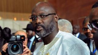 Liberia: le président Weah va réduire son salaire de 25%
