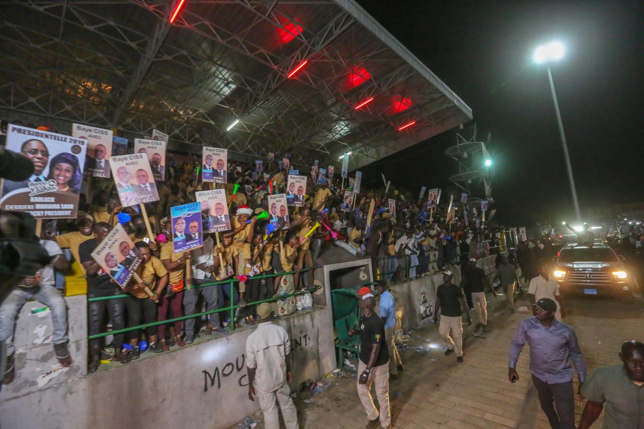 La Jeunesse de Kaolack accueille Macky Sall en fanfare